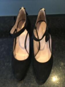 Ladies Shoes Nine West High Heel elegant Black Size 7.5 Closed