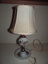 Belle lampe de chevet, de table en Opaline à décor de fleurs années 30