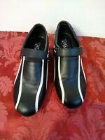 Tipteetoe Flat Spike Golf Shoes Womens Sz 9 Black White Black Tie Affair