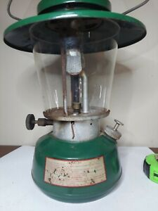 THERMOS KING SEELEY MODEL 8326 CAMPING LANTERN 2 MANTLE CHECK PHOTO CONDITION