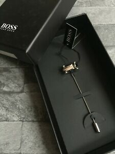 HUGO BOSS RACING CAR LAPEL PIN BROOCH SILVER TONE BRASS BNIB RETAIL £65
