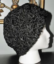 Vintage Womens Hat Pelz Penth Mass-Atelier Volklinger Black Curly Satin Pin-Up