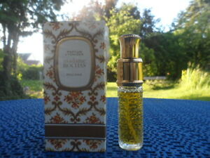 """Rochas """" Madame Rochas  """" . Parfum Atomizer  . 15 Gramm . Parfum pur ."""