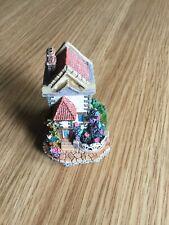 Ornamental Vintage Collectable Decorative Cottage
