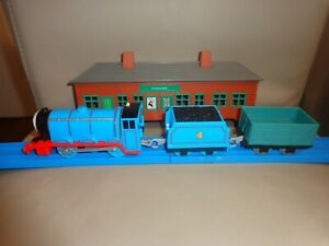 🚂🚂Thomas & Friends TrackMaster- Gordon and 2 rolling stock🚂🚂