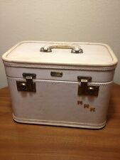 Vtg OSHKOSH LUGGAGE CO Train Case Makeup Suitcase beige Crafts Jewerly Case