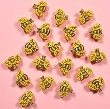 DRESS IT UP Buttons Little Bees 1858 - Embellishments Bugs
