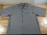 The North Face Tekware Mens SS Button Front Shirt Gray Medium Zip Pocket