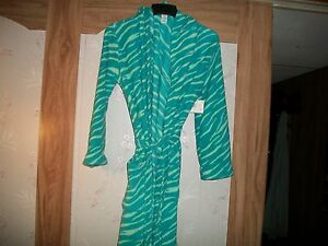 Joe Boxer  Women's Plush Hooded Robe & Belt Size X-large New With Tag