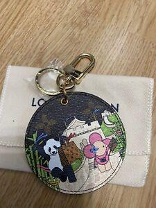 Louis vuitton porte clefs bijoux de sac Vivienne Noël Sold Out
