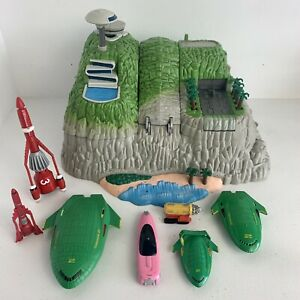 Thunderbirds Tracey Island & Vehicles 2004 Bandai Fully Working Great Condition