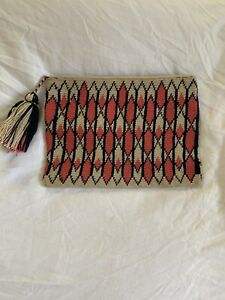 AUTHENTIC MOCHILA WAYUU / FINEST QUALITY / HANDMADE CLUTCH POUCH MAKE UP BAG
