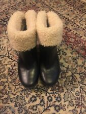 UGG Lynnea Black Leather Ankle Wooden Heel Boots Clogs Shearling Lined Size 6