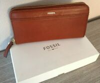 Fossil Women's Wallet Clutch Genuine Pebbled Leather Tiegan Clutch Brown NWT $75