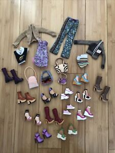 My Scene 2002 Fashion Scene Pack Clothes Jackets Boots Purses Shoes BIG LOT