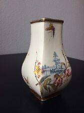 Petit vase faïence Keller Guérin Luneville décor lac iris papillons Début XXème