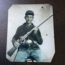 Civil War Military Soldier With Rifle tintype C747RP
