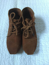TOMS Woman's Tribal Boots Chestnut Suede Lace-up Shoes Size 5.5
