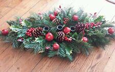 Noël arrangement table centre pièce 70cm de long. prend 3 dîner bougies. pommes