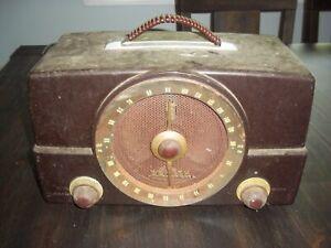 Zenith Bakelite H725 AM/FM Radio - Great Project