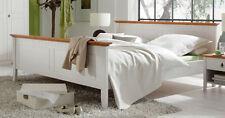 Bettgestelle ohne Matratze im Landhaus-Stil aus Massivholz in aktuellem Design