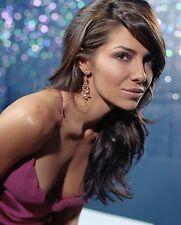 Vanessa Marcil Unsigned 8x10 Photo (6)