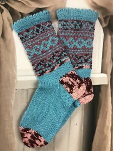 Size M 5-6 Hand knitted Wool Blend Fair Isle Native Folk Style Cosy Lounge Socks