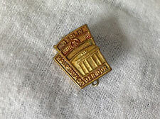 Berlin Hauptstadt DER DDR Pin ( Berlin, East Germany )