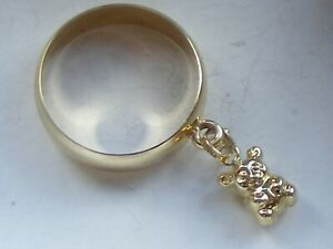 A RARE VINTAGE 9CT RING WITH A DANGLY TEDDY BEAR CHARM Size:L  2.3gm H/M