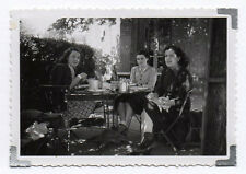PHOTO Snapshot Repas Déjeuner Bar Brasserie Bistrot Café Table Femme Vers 1950