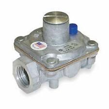 Maxitrol Regulator Rv12Lt 1/8 inch Inlet - Outlet Propane Gas Pressure 8 - 12