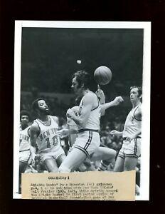 Original 1971/1975 Walt Frazier New York Knicks Wire Photos 9 Different