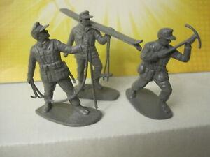 AIRFIX VINTAGE WWII GERMAN ALPINE MOUNTAIN TROOPS 54MM 1:32 PLASTIC TOY SOLDIER
