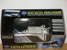 Dragon Wings 56214 1:400 Space Shuttle Challenger w/Bay Doors & Interior 2010