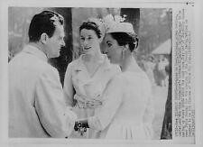 1957 Elizabeth Taylor w/Mike Todd & Model Bettina Wire Photo