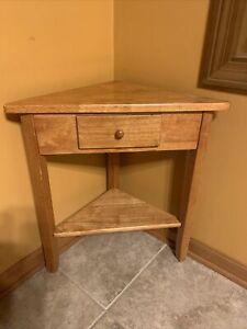 "Classic Corner Table 24.25"" X 16.25"" X 16.25"" Oak Made in Indonesia"