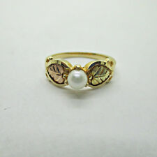 10k Yellow Black Hills Gold Gold Pearl with Leaves Ring Size 6.5 B9666