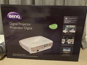 BenQ W2000 projector