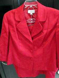 Le Suit Woman Red Moire Suit with 3-Button Jacket & Skirt | Size 22W