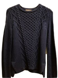 Banana Republic Navy Blue Crew Neck sweater, Medium. Very Soft, Great Condition