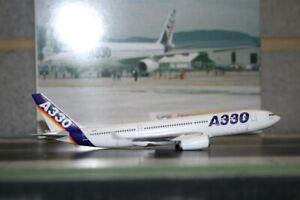 Dragon Wings 1:400 Airbus Industries A330-200 F-WWKA (55063) Model Plane