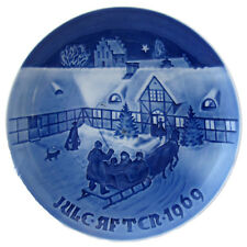 1969 BING AND GRONDAHL CHRISTMAS PLATE ARRIVAL OF CHRISTMAS GUESTS