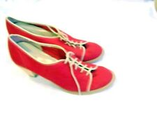 Town and Country red canvas heels/pumps/shoes, sz. 6B, oxford-style, vintage