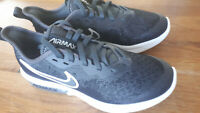 Nike Air Max Sequent 4 size uk3 black & white boys trainers great for xmas