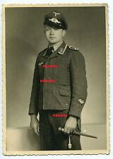 Foto Portrait Luftwaffe Feldwebel Flak mit Schirmmütze und Dolch