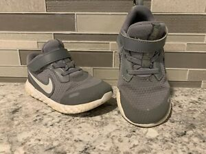 Nike Gray Grey Toddler Pair Shoes Sneakers Size 10 Fast Shipping