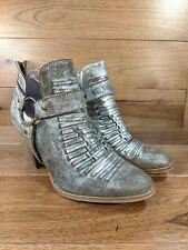 ARIAT Unbridled 'JaElle' Womens Metallic Gray Heel Ankle Boot Booties SIZE 9 B