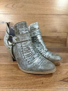 ARIAT Unbridled 'JaElle' Womens Metallic Gray Heel Ankle Boot Booties SIZE 9 B