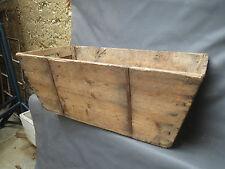 Ancien grand bac à vendange en bois déco art populaire chalet vigne vigneron