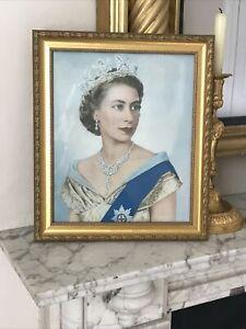 Portrait Picture of HM Queen Elizabeth II in gold Decorative Gilt frame